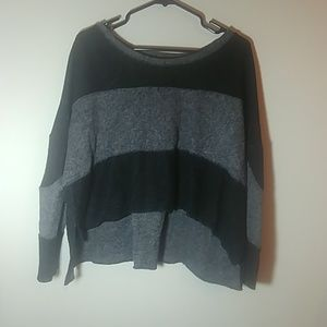 BDG over sized Cropped sweater.